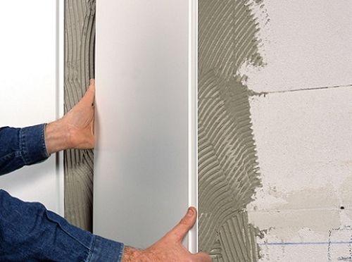 Как крепить пластиковые панели ПВХ к стене в ванной?