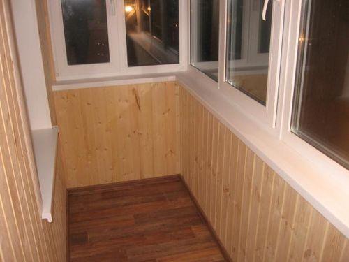 plastikovye_paneli_dlya_balkona_04
