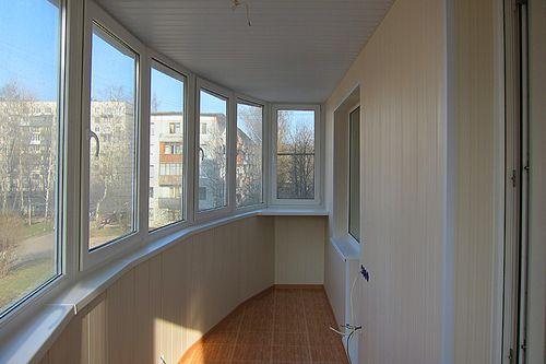 plastikovye_paneli_dlya_balkona_05